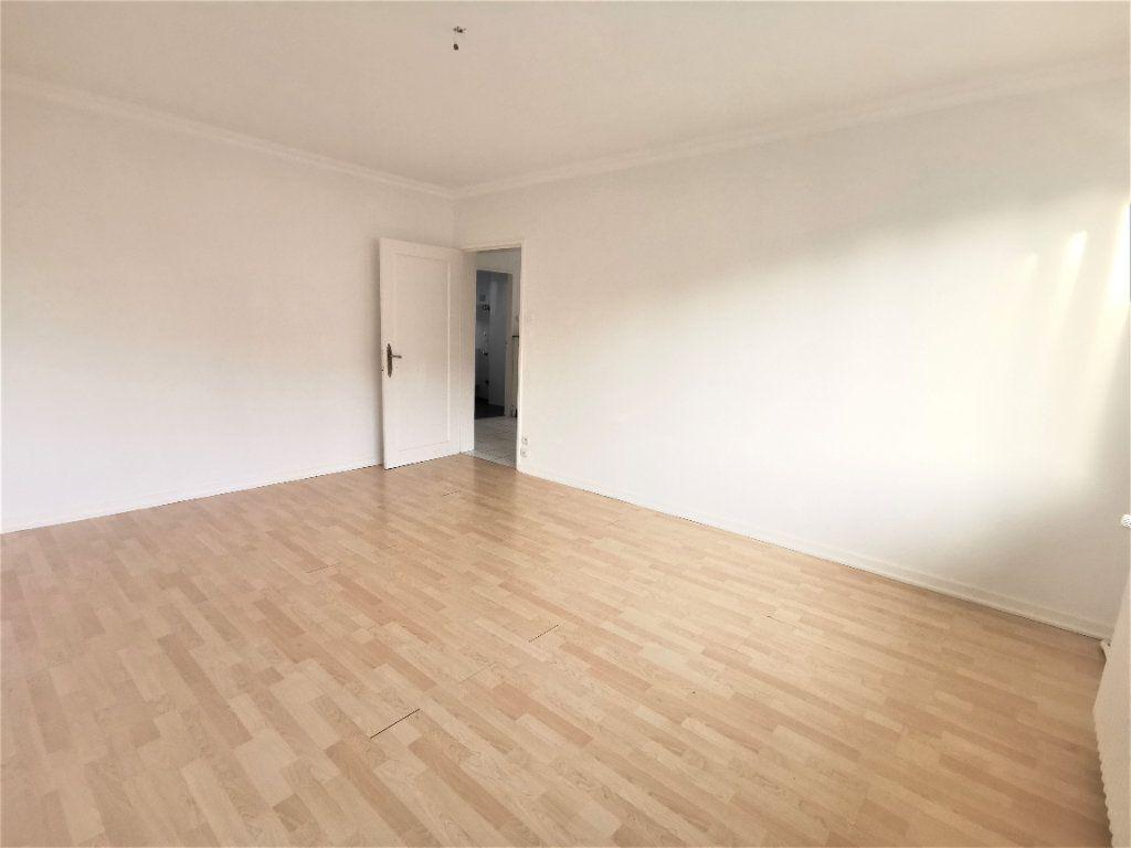 Appartement à louer 4 110.29m2 à Bischheim vignette-6