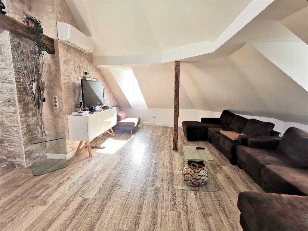 Appartement à louer 3 59.18m2 à Strasbourg vignette-2