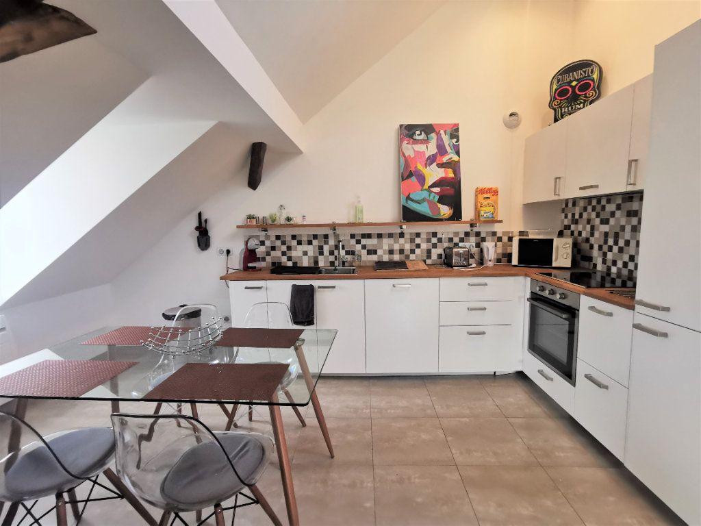 Appartement à louer 3 59.18m2 à Strasbourg vignette-3