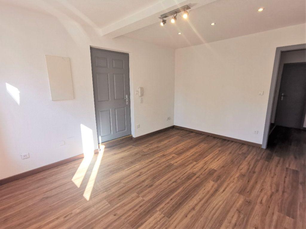 Appartement à louer 3 75.53m2 à Ingwiller vignette-2