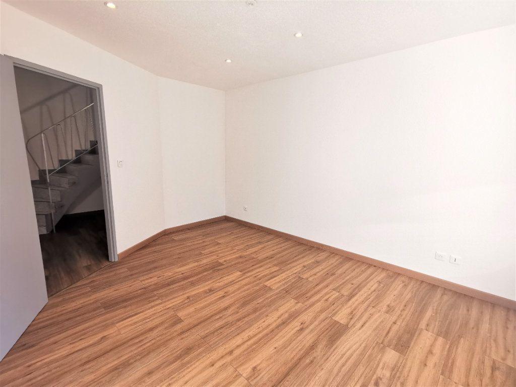 Appartement à louer 3 75.53m2 à Ingwiller vignette-4