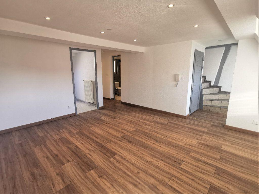 Appartement à louer 3 46m2 à Ingwiller vignette-1