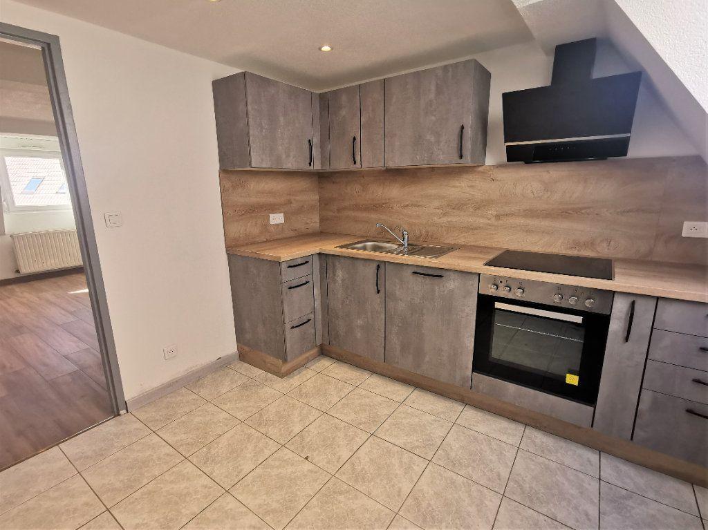 Appartement à louer 3 46m2 à Ingwiller vignette-2