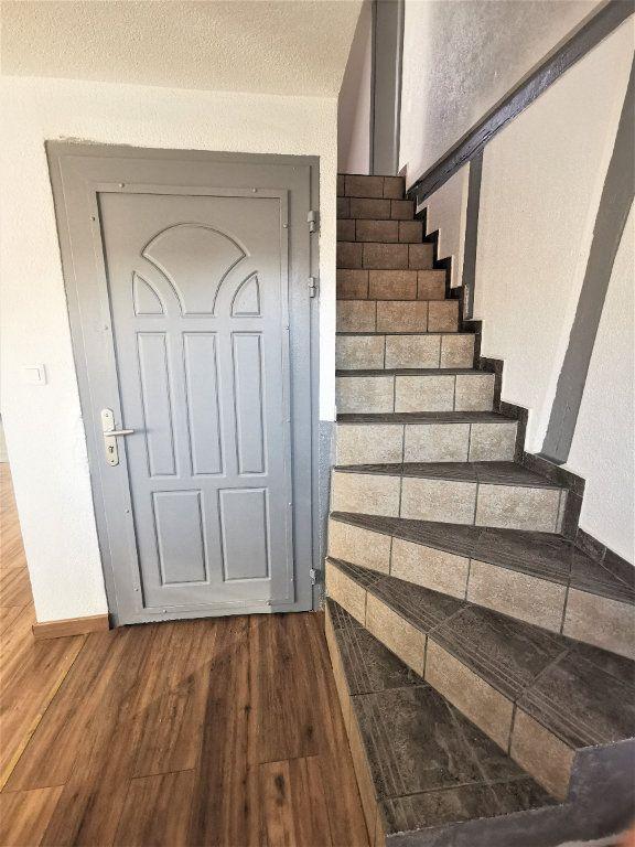 Appartement à louer 3 46m2 à Ingwiller vignette-3