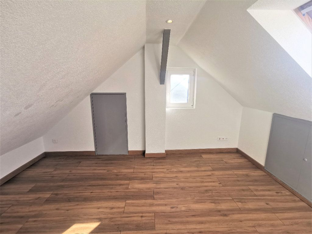 Appartement à louer 3 46m2 à Ingwiller vignette-7