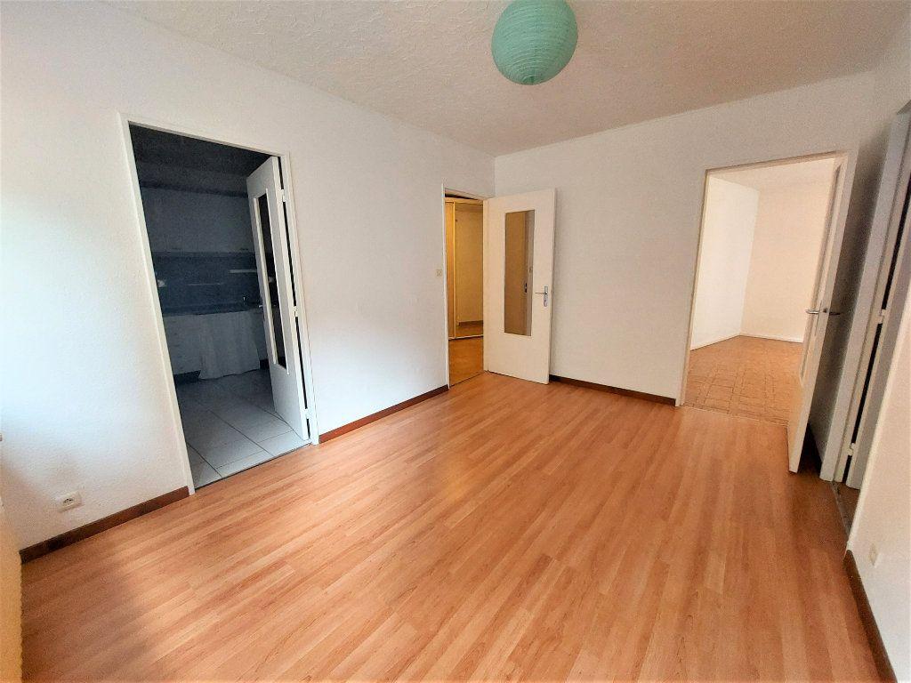 Appartement à louer 3 70.46m2 à Strasbourg vignette-3
