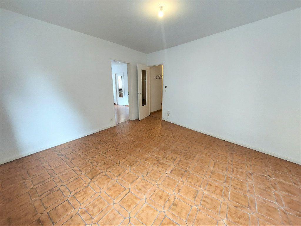 Appartement à louer 3 70.46m2 à Strasbourg vignette-4