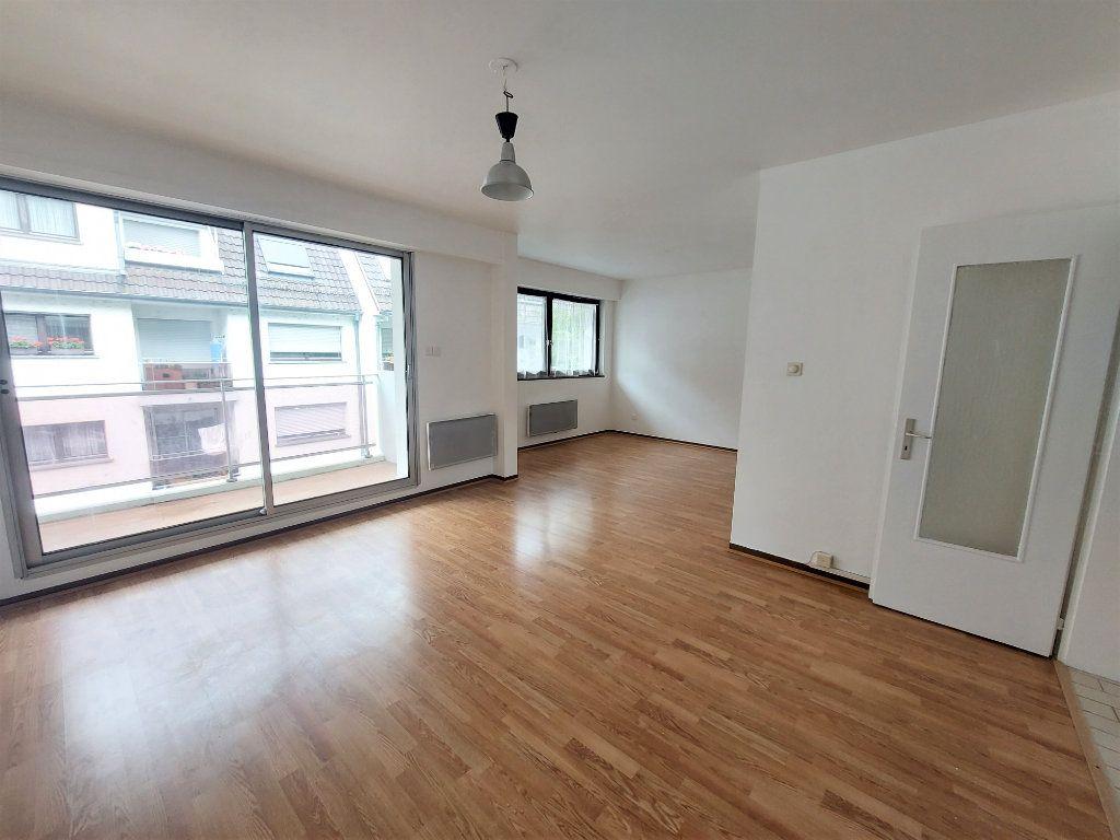 Appartement à louer 2 58.75m2 à Strasbourg vignette-1