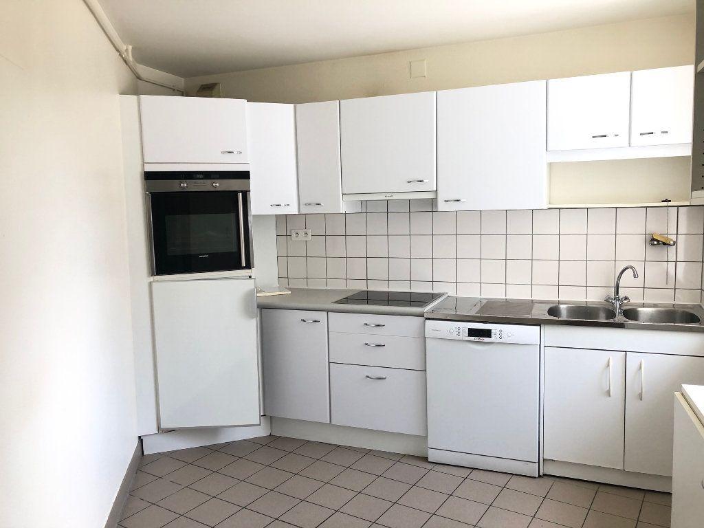 Appartement à louer 4 123.88m2 à Strasbourg vignette-4