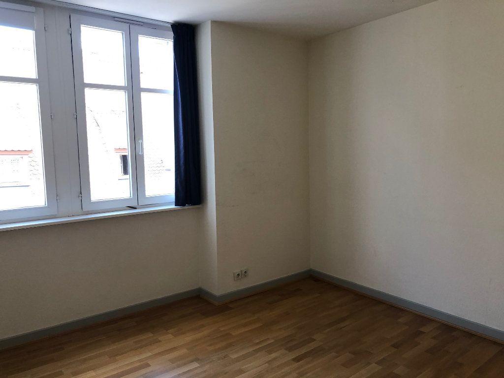 Appartement à louer 4 123.88m2 à Strasbourg vignette-5