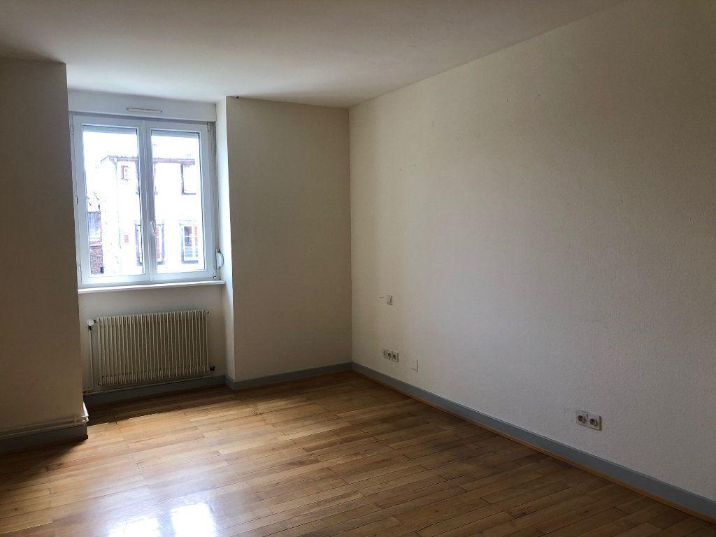 Appartement à louer 4 123.88m2 à Strasbourg vignette-6