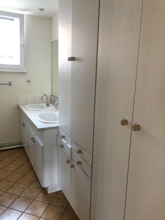 Appartement à louer 4 123.88m2 à Strasbourg vignette-10
