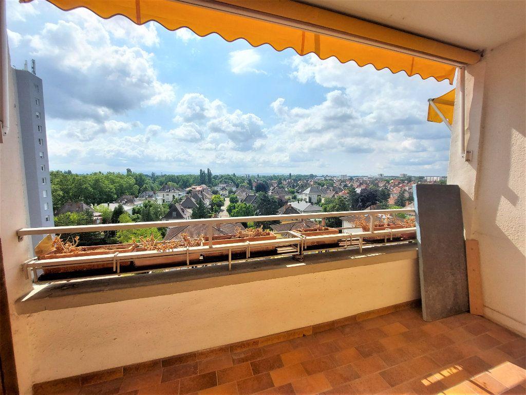 Appartement à louer 4 101.39m2 à Strasbourg vignette-1