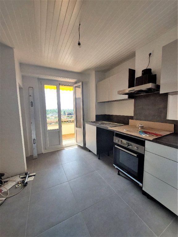 Appartement à louer 4 101.39m2 à Strasbourg vignette-4