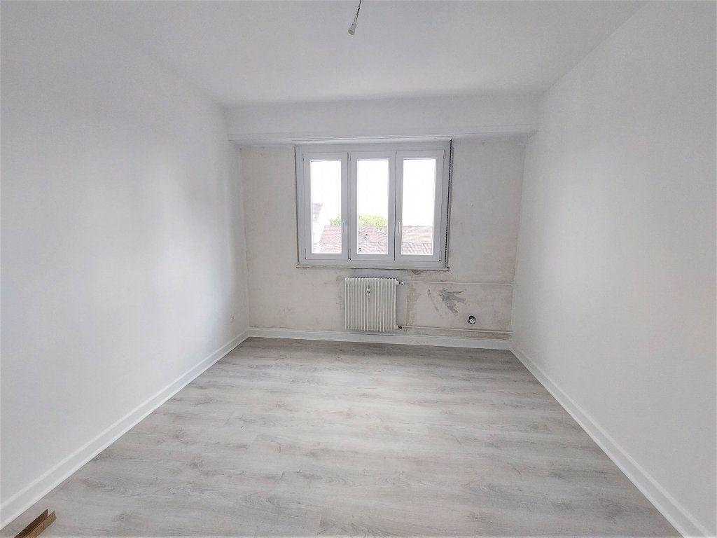 Appartement à louer 4 101.39m2 à Strasbourg vignette-5