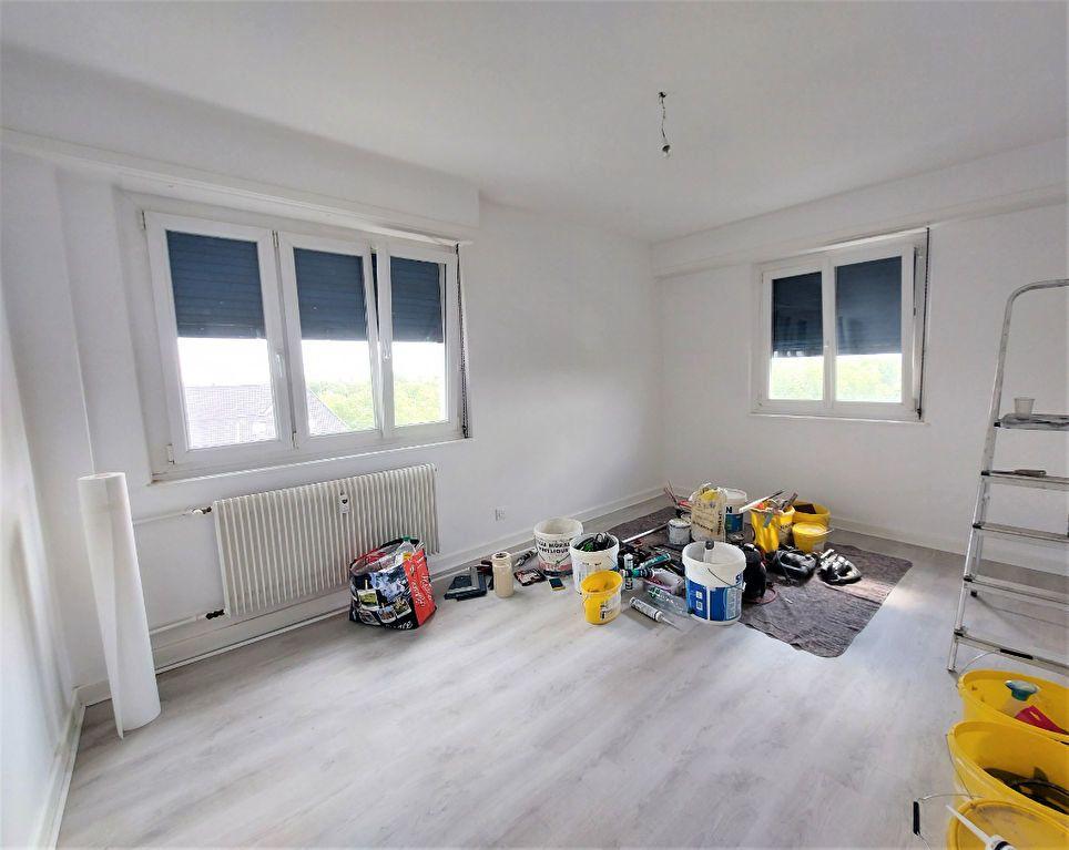 Appartement à louer 4 101.39m2 à Strasbourg vignette-7