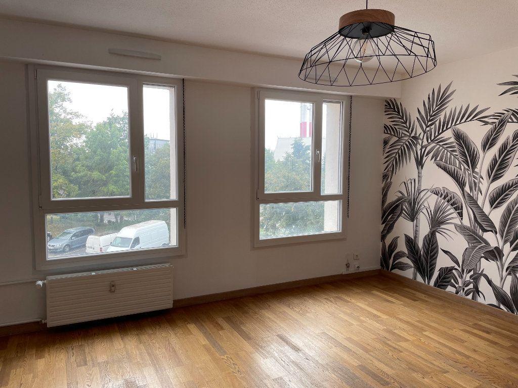 Appartement à louer 3 71.94m2 à Strasbourg vignette-2