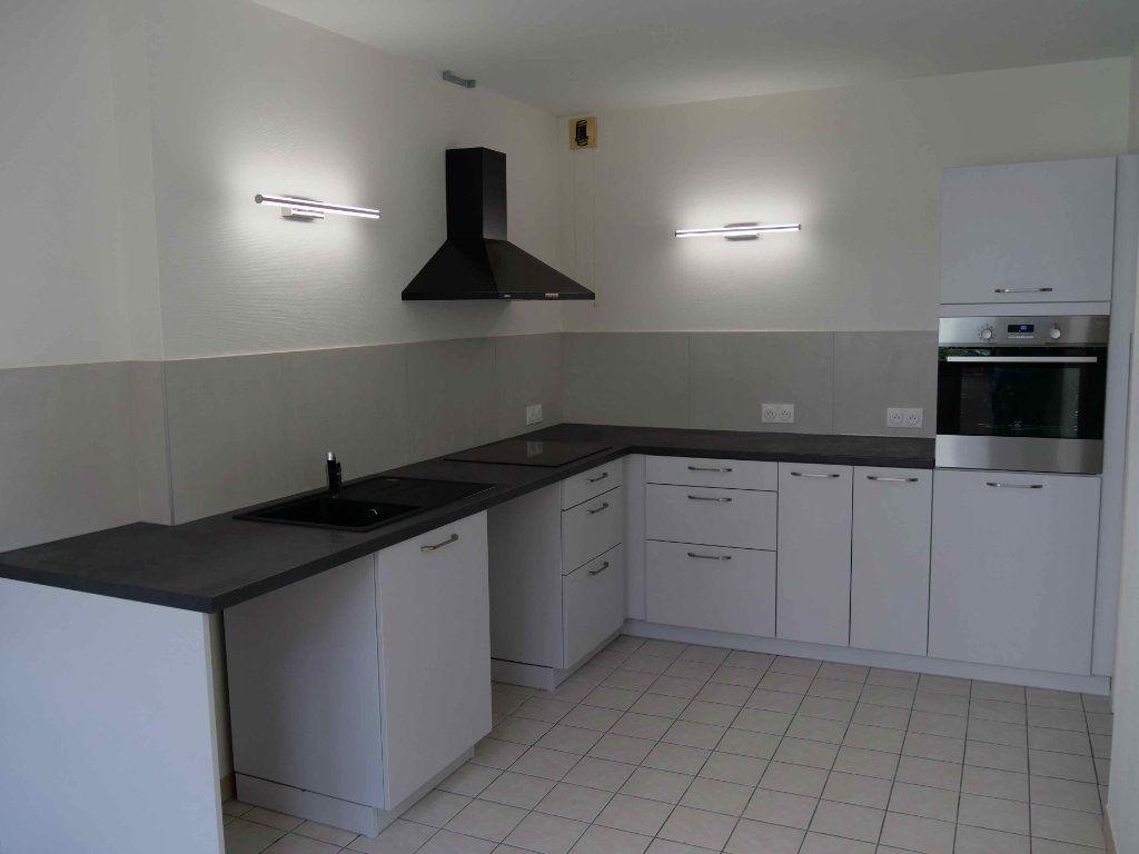 Appartement à louer 3 87.7m2 à Strasbourg vignette-2
