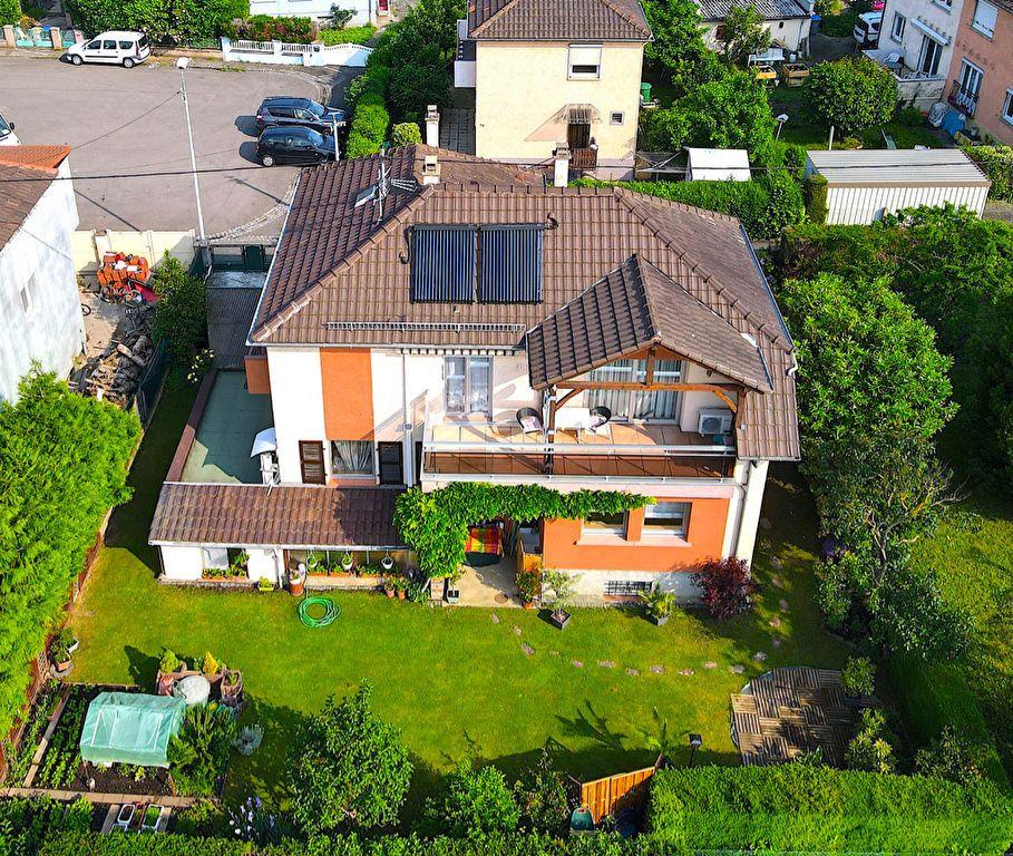 Maison à vendre 8 226m2 à Strasbourg vignette-1