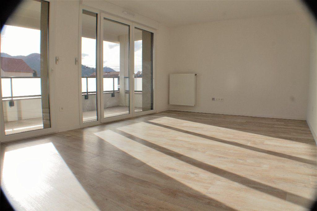 Appartement à louer 3 69.7m2 à Turckheim vignette-1