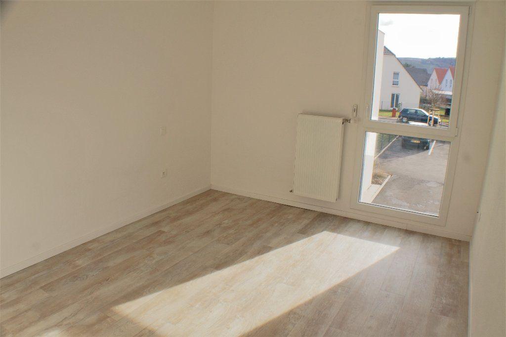 Appartement à louer 3 69.7m2 à Turckheim vignette-4