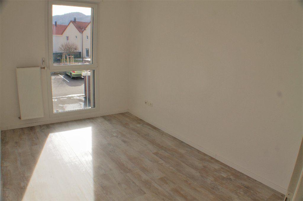 Appartement à louer 3 69.7m2 à Turckheim vignette-5