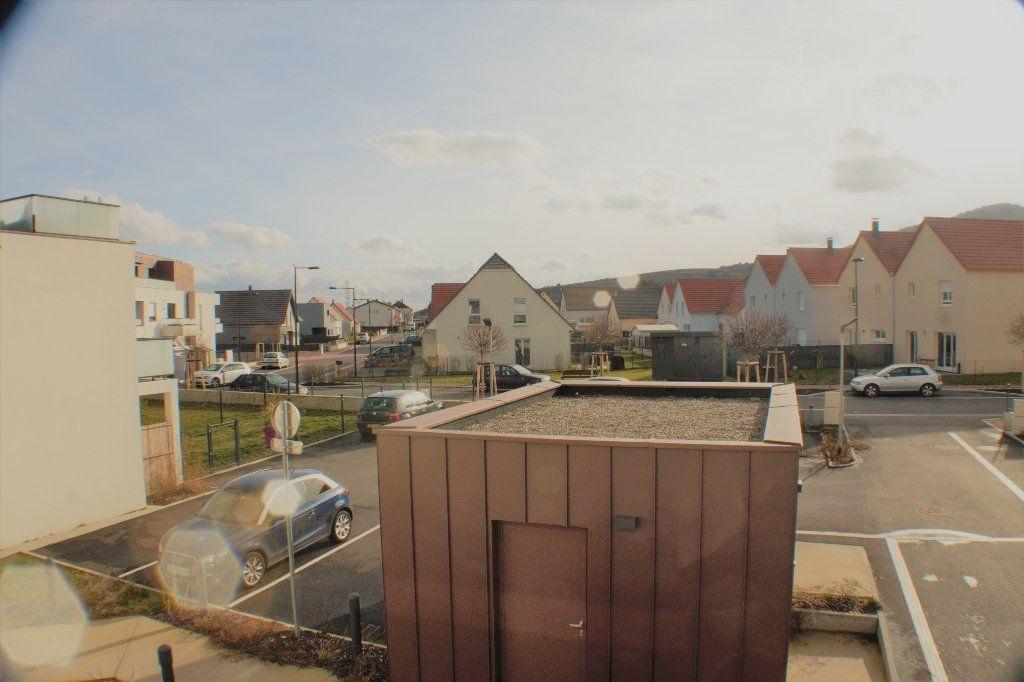 Appartement à louer 3 69.7m2 à Turckheim vignette-6