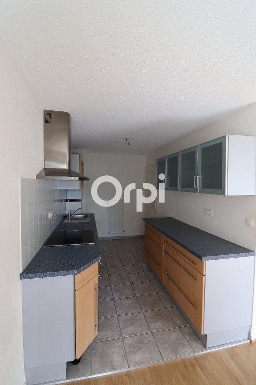 Appartement à louer 3 69.72m2 à Colmar vignette-3
