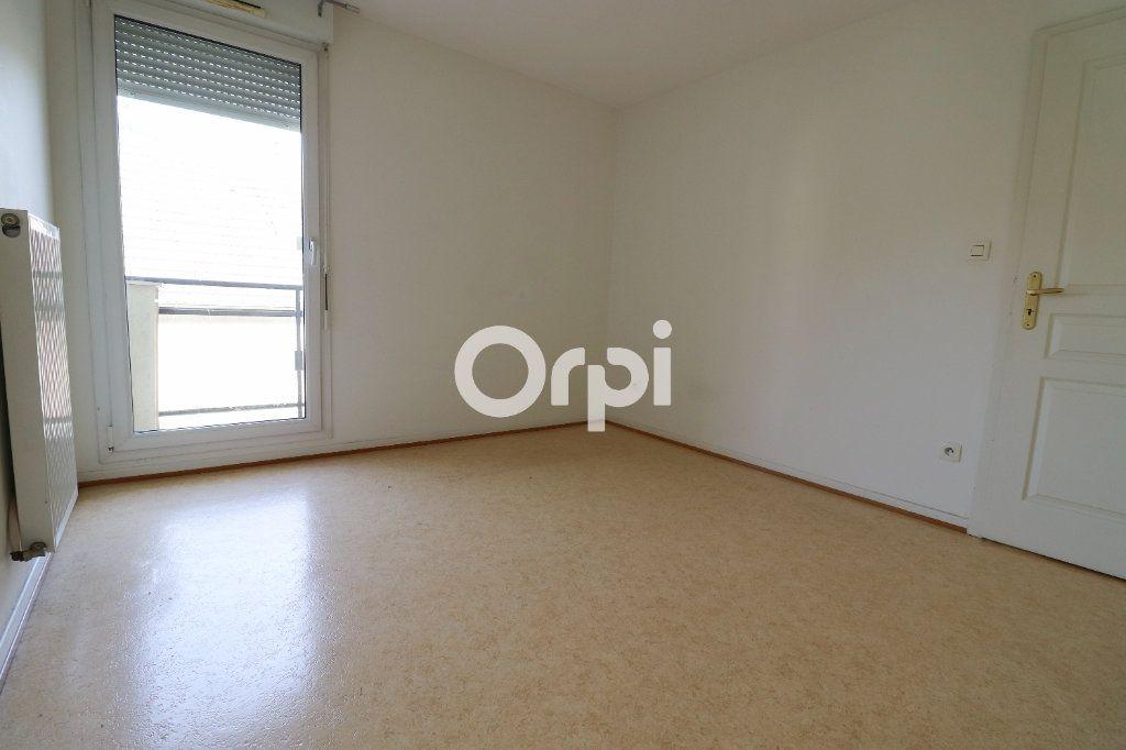 Appartement à louer 3 69.72m2 à Colmar vignette-5