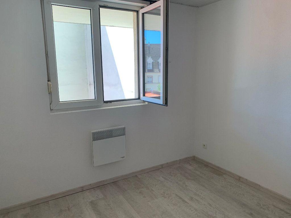 Appartement à louer 2 30.85m2 à Mulhouse vignette-3