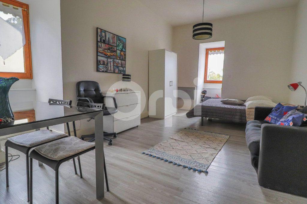 Appartement à louer 1 28m2 à Colmar vignette-1