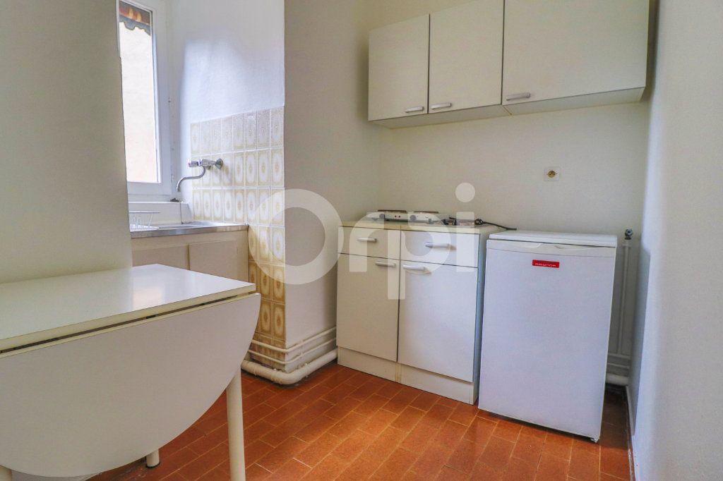 Appartement à louer 1 21.5m2 à Colmar vignette-2