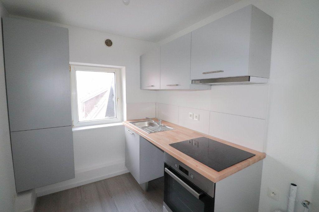 Appartement à louer 2 43m2 à Mulhouse vignette-2