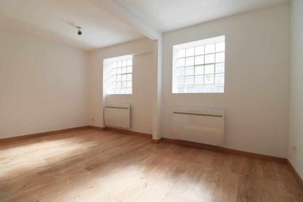 Appartement à louer 2 65m2 à Mulhouse vignette-1