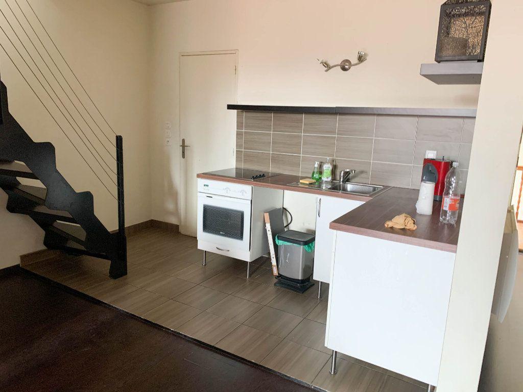 Appartement à louer 2 58m2 à Mulhouse vignette-1