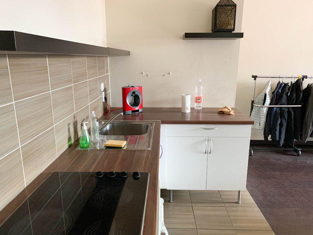 Appartement à louer 2 58m2 à Mulhouse vignette-8