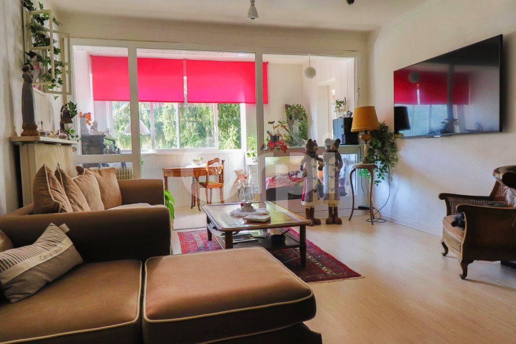 Appartement à vendre 4 109m2 à Kientzheim vignette-2