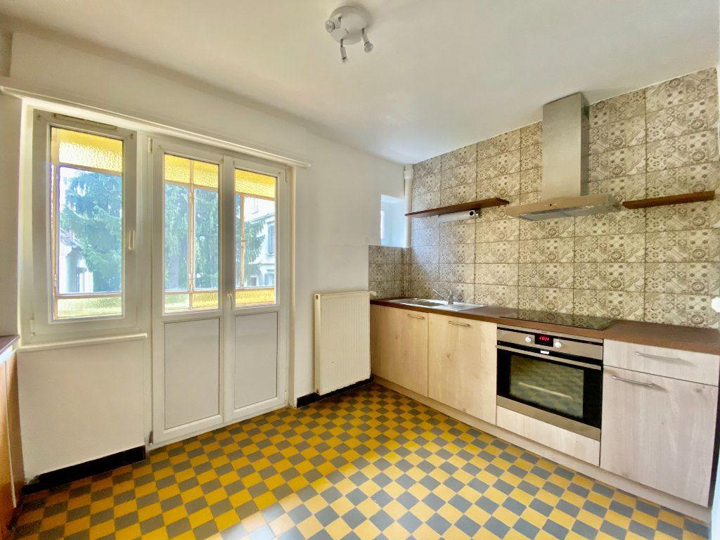 Appartement à louer 3 67.84m2 à Mulhouse vignette-2