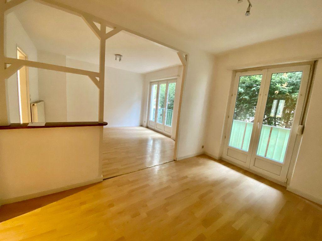 Appartement à louer 3 67.84m2 à Mulhouse vignette-3