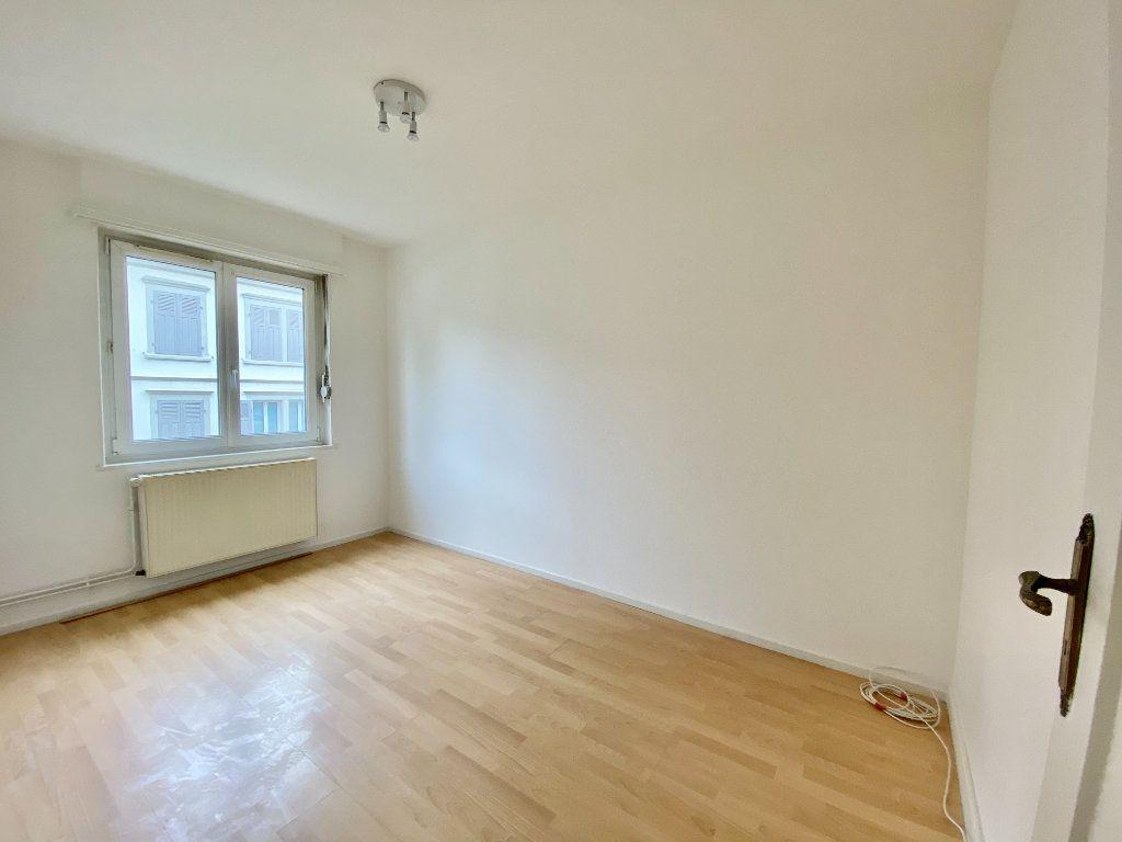 Appartement à louer 3 67.84m2 à Mulhouse vignette-4