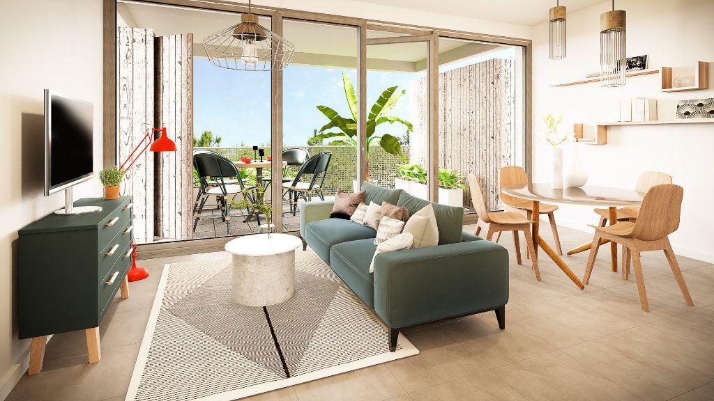 Appartement à vendre 2 73.82m2 à Mulhouse vignette-1