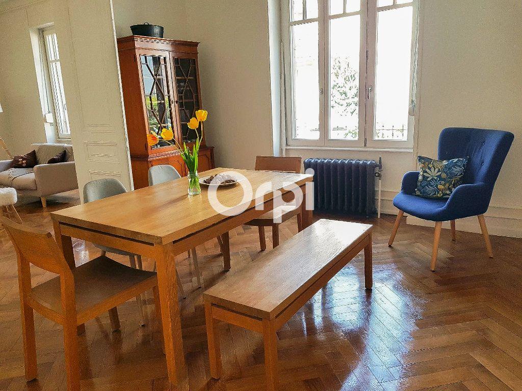 Appartement à vendre 5 152.2m2 à Colmar vignette-1