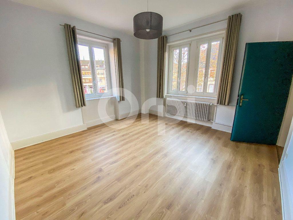 Appartement à louer 5 131m2 à Colmar vignette-1