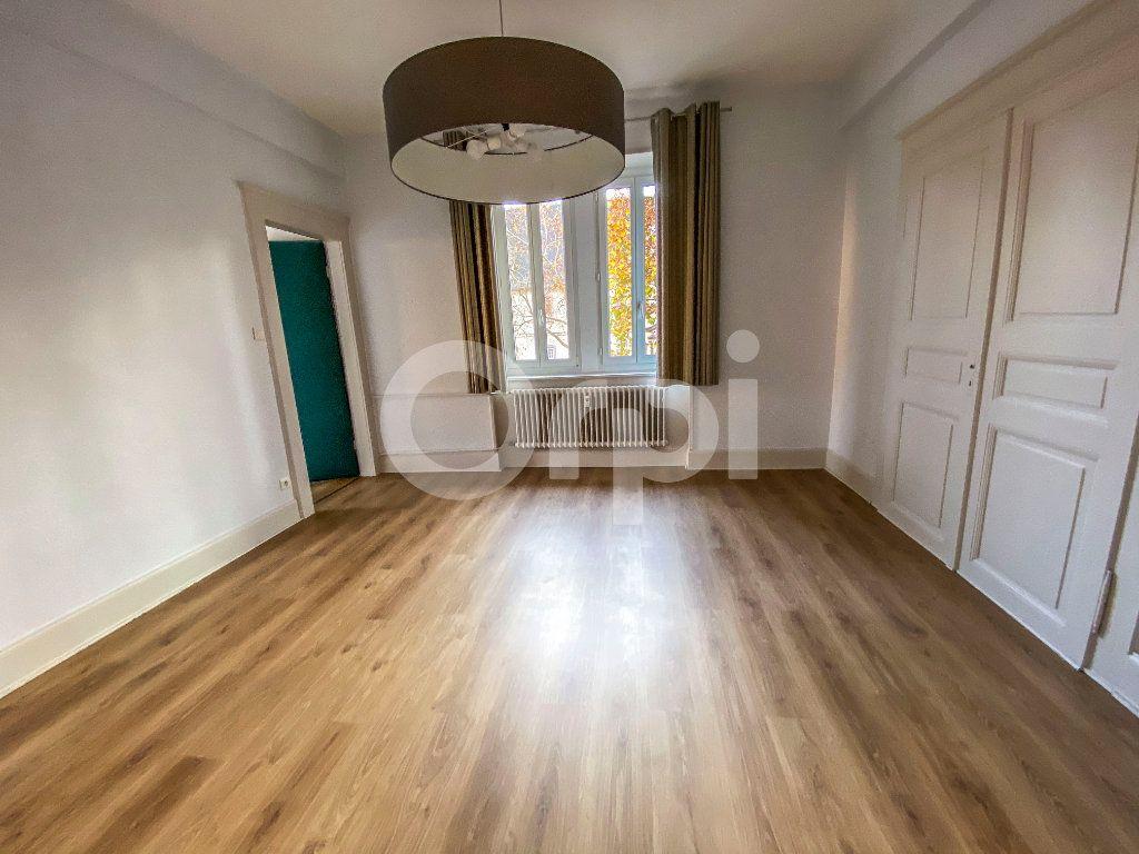Appartement à louer 5 131m2 à Colmar vignette-2