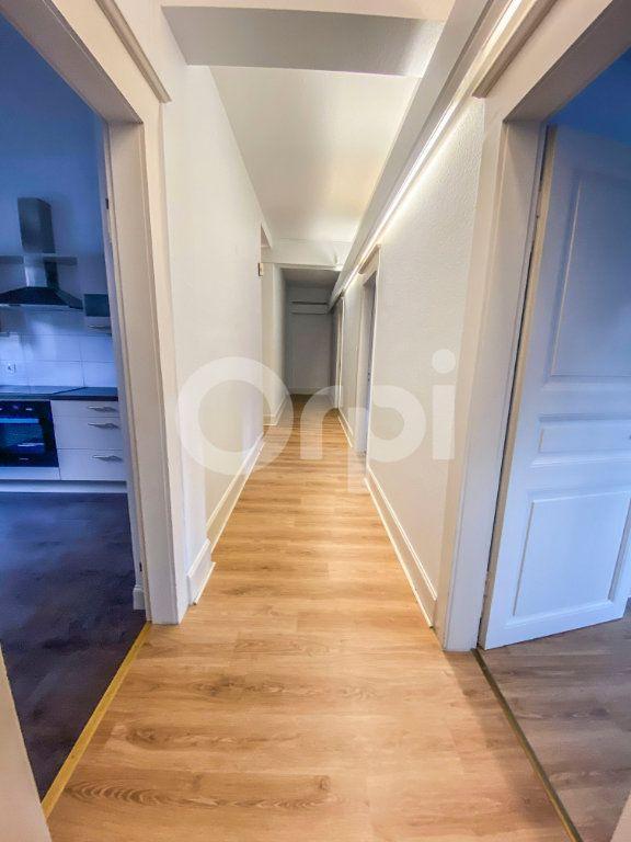 Appartement à louer 5 131m2 à Colmar vignette-3
