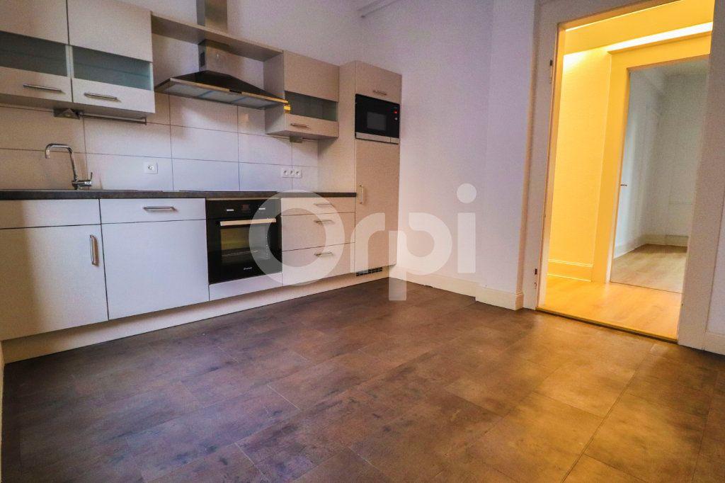 Appartement à louer 5 131m2 à Colmar vignette-4