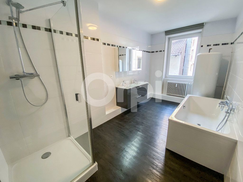 Appartement à louer 5 131m2 à Colmar vignette-5