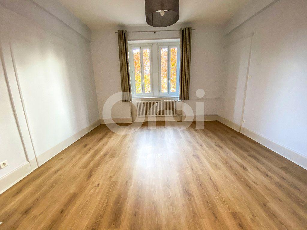 Appartement à louer 5 131m2 à Colmar vignette-6