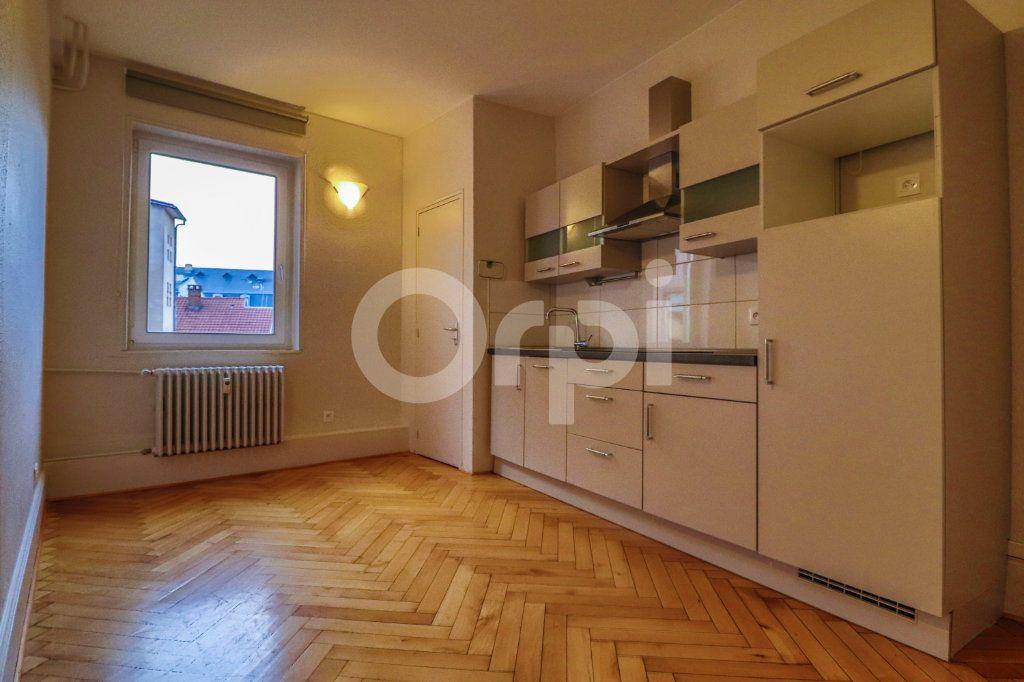 Appartement à louer 3 83m2 à Colmar vignette-2