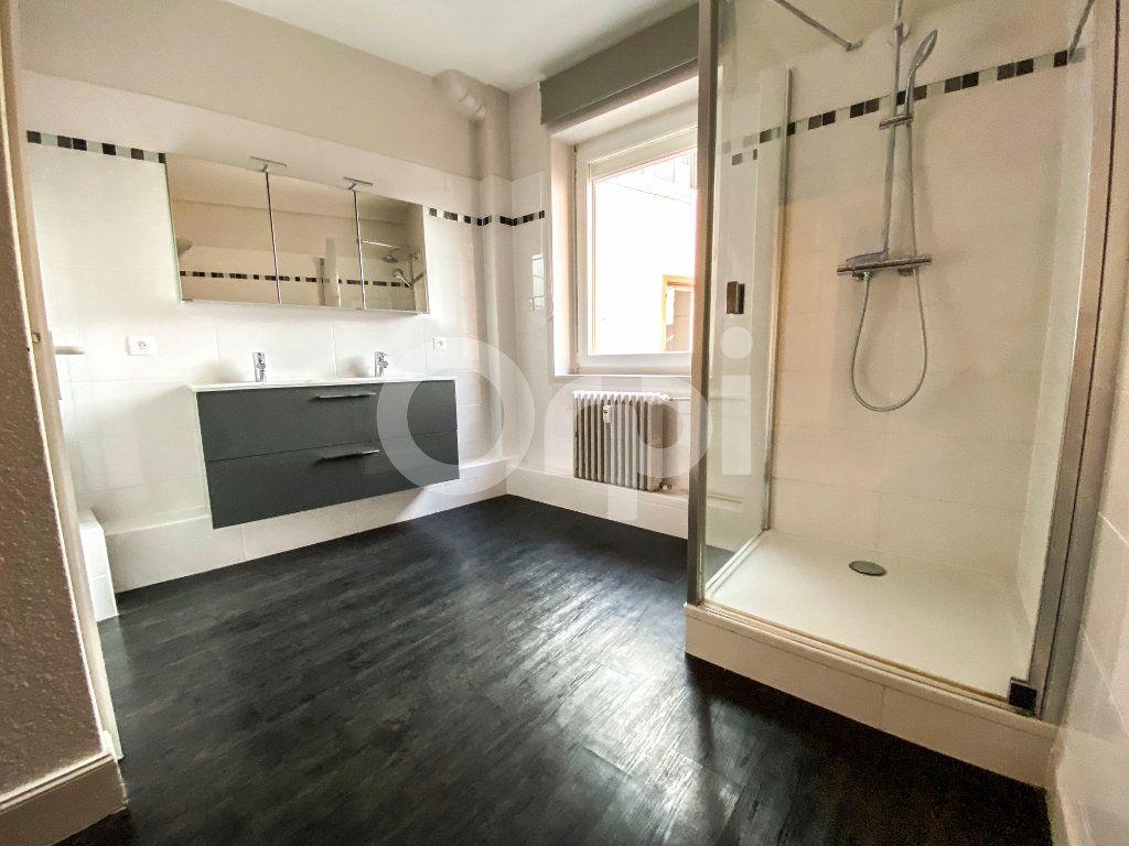 Appartement à louer 3 83m2 à Colmar vignette-3